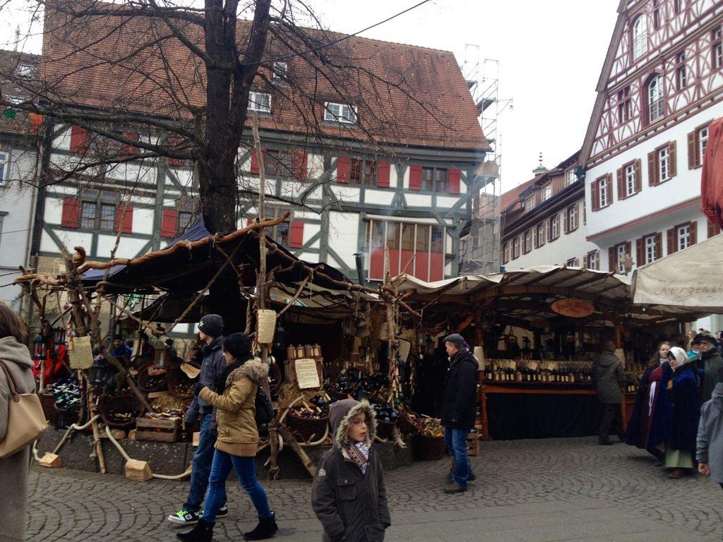 エスリンゲンのクリスマスマーケットの画像